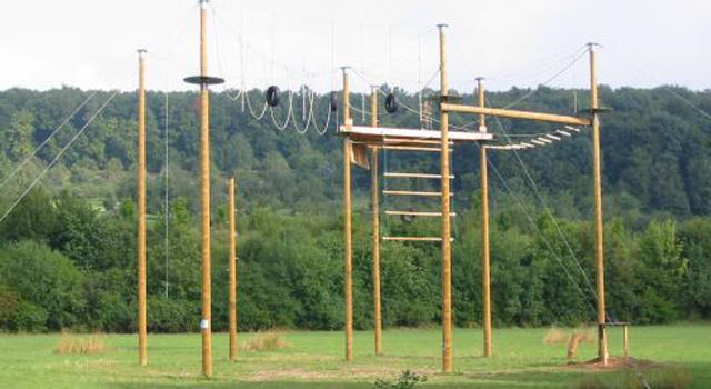 Der Hochseilgarten: Eine Entdeckungstour in über 12 Metern Höhe.